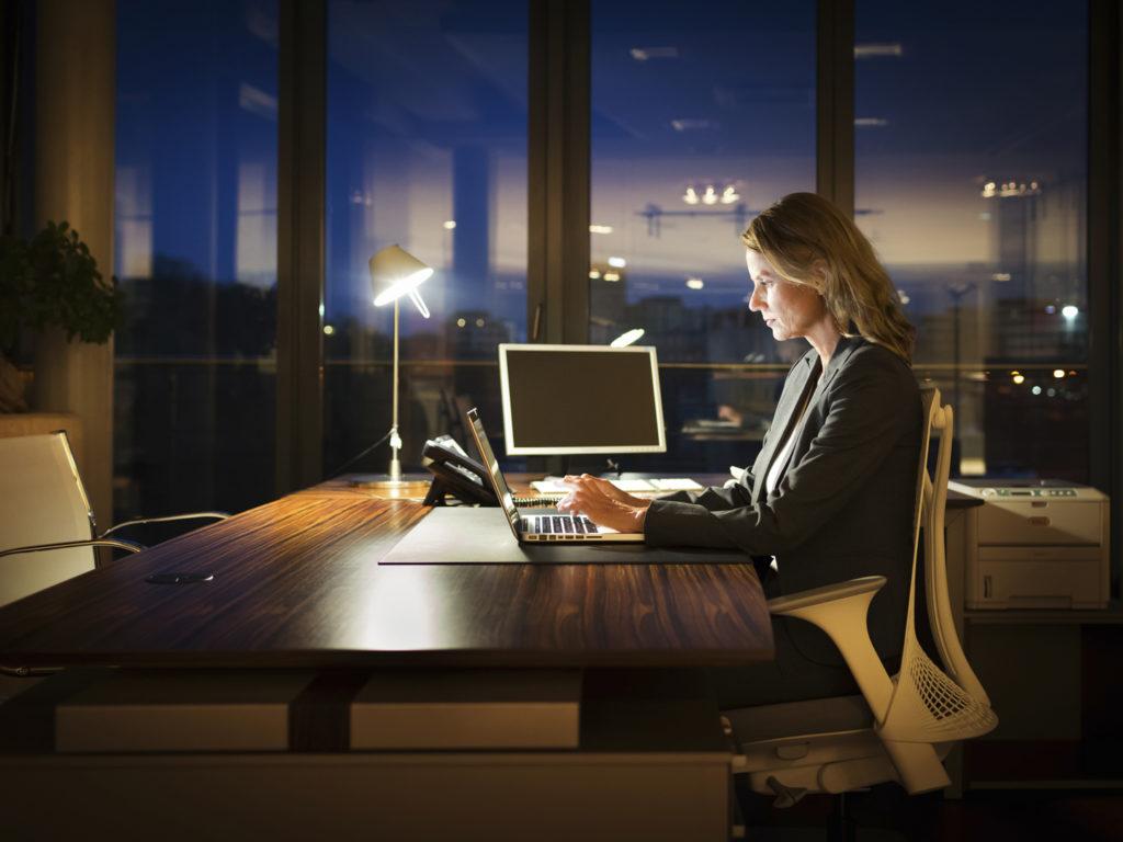 ใช้ตัวกรองแสงจากจอคอมพิวเตอร์